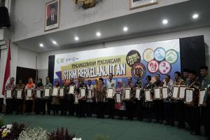 Karanganyar Raih Penghargaan STBM dari Kemenkes