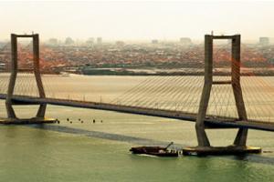 Jembatan Suramadu Gratis, Pemerintah Bantah Politis