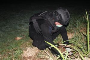 Petugas Musnahkan Ranjau yang Ditemukan di Kali Lowereng