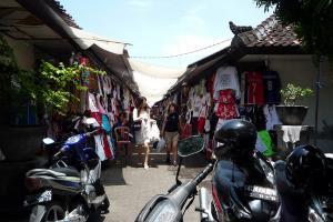 Pedagang Keluhkan Pungutan Uang Keamanan Pasar Johar