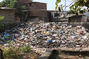 Terganggu Longgok Sampah Belakang GOR Trisanja Slawi