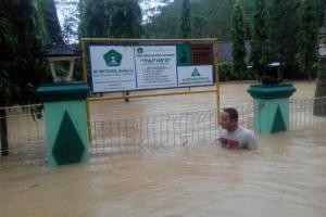 Strategi Pemprov Jateng Antisipasi Banjir dan Longsor