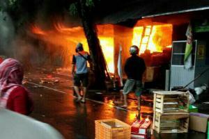 Pasar Bunder Sragen Terbakar, 7 Kios Ludes