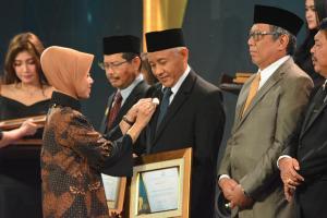 Sleman Terima Anugerah Kencana dari Kemenko PMK