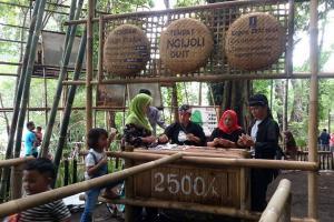 Pasar Slumpring Bukukan Omzet Rp100 Juta pada Libur Nataru
