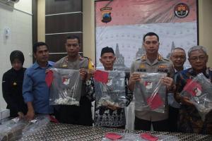 Polisi Amankan Pelaku Perusakan Nisan di Magelang