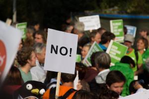 Eks-Karyawan PT Damatex Demo Dispernaker Salatiga