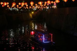 Operasional Perahu Wisata Festival Lampion Solo Diperpanjang