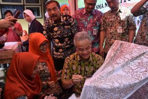 Kiat SMAN 1 Sokaraja Banyumas Lestarikan Batik