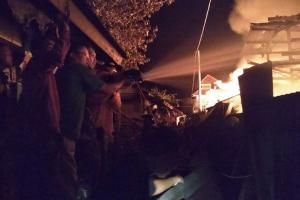 Api Pasar Mandiraja Banjarnegara Padam