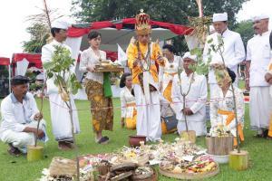 Umat Hindu Ikuti Tawur Agung Kesanga di Prambanan