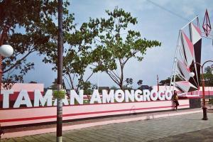 Taman Amongrogo Semarang Tak Terurus