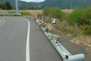 Tiang Pagar Pembatas Tol Salatiga-Kartasura Raib