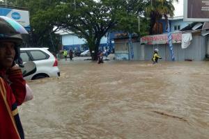 Luapan Sungai Woho Banjiri Desa Tambakbulusan Demak