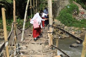 Jembatan Wonosobo-Banjarnegara Tak Jua Diperbaiki