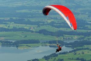 Promosikan Bukit Sikuping Batang dengan Kejuaraan Paralayang