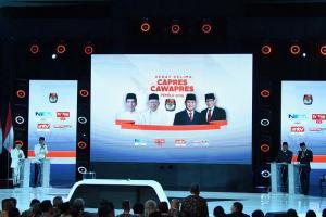 Jokowi Pamer Capaian Ekonomi, Prabowo-Sandi Sampaikan Kritik