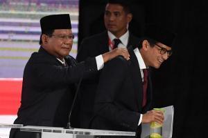 Ungkit Keluhan 'Emak-Emak', Jokowi-Sandi 'Berbalas Pantun'