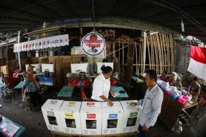 Caleg Kota Semarang Geruduk Kantor Lurah
