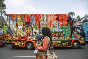 DPRD Rembang Meradang karena Truk Parkir Liar
