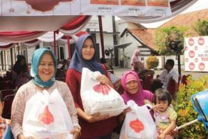 Pasar Murah, 15 Ribu Paket Sembako Disebar di Kota Solo