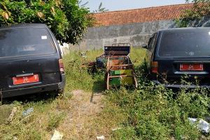 Mobil Dinas Pemkot Salatiga Tak Terawat