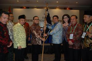 Pimpin Apkasi, Azwar Anas Gantikan Mardani Maming