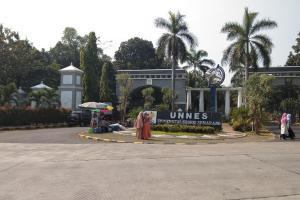 Tiga Kampus di Jateng 'Gusur' UI dan UGM