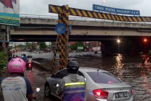 Hendi Sesumbar Tanggul Laut Semarang Mengatasi Rob
