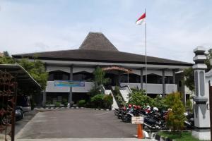 Pelantikan DPRD Kendal Ditunda