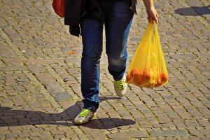 Aktivitas Niaga di Kota Semarang Dilarang Pakai Plastik