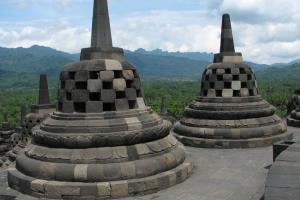 Replika Stupa Candi Borobudur Kini Ada di Ukraina
