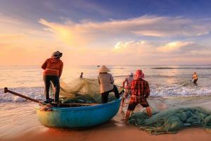 Nelayan Semarang Diimbau Waspadai Cuaca Ekstrem