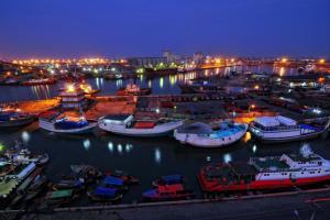 Ganjar Usul Takada Aktivitas Industri di Tanjung Emas