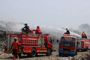 Kendala Pemadaman Api TPA Putri Cempo