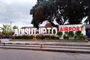 Aspal Adisutjipto Mengelupas, 18 Penerbangan Terganggu