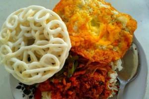 Awas, Kalori Satu Buah Kerupuk Setara Sepiring Nasi