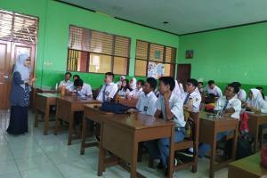 SMA-SMK Se-Jateng Bebas SPP per 2020