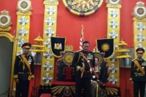 Raja dan Ratu Keraton Agung Sejagat  Diciduk Polisi