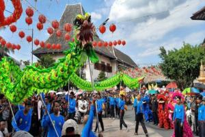 Ribuan Masyarakat Dari Berbagai Daerah Padati Kirab Grebeg Sudiro