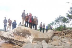 Ratusan Hektare Sawah di Batang Terancam Puso Akibat Tanggul Jebol