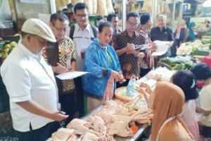 Harga Pakan Ternak Naik, Harga Telur Ayam dan Daging di Kota Solo Meroket