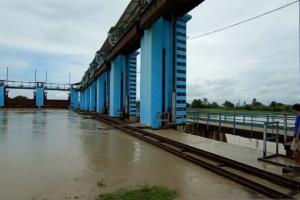 Bangunan Pengendali Banjir Wilalung Lama Kudus Siaga Tiga