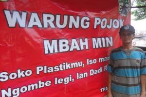 Warung Pojok Pak Min di Semarang Terima Pembayaran Dengan Sampah Plastik