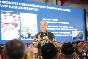 Ganjar Siap Sampaikan Pendapat Publik Tentang Omnibus Law Kepada Jokowi