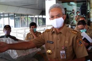 Lawan Covid-19, Ganjar Canangkan Gerakan 35 Juta Masker Untuk Jateng