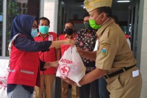 PMI  Kudus Bagikan  2.170 Paket Sembako Pada Warga Terdampak Covid-19