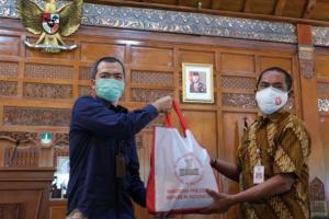 Kota Solo Terima Bantuan 20.000 Paket Sembako dari Presiden