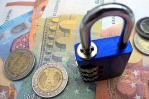 Pengamat: Pemblokiran rekening FPI memiliki indikasi TPPU
