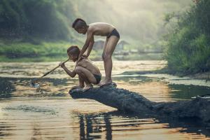 Peringati Hari Anak Nasional 2021, Pemerintah Salurkan 1,2 Ton Ikan Sehat